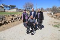 BEDENSEL ENGELLİ - Şehitkamil'de 4 Engelliye Daha Akülü Araç Ve Tekerlekli Sandalye Dağıtıldı
