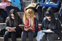 KİTAP OKUMA - Yozgat'ta 30 Dakika Boyunca Meydanda Kitap Okundu