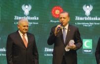 İSTANBUL VALİSİ - Başbakan Yıldırım, Ödülünü Cumhurbaşkanı Erdoğan'ın Elinden Aldı