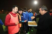DARıCA GENÇLERBIRLIĞI - Başkan Karabacak'tan Amatör Spora Yerinde Destek