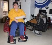 TUR YıLDıZ BIÇER - Engelli Kadına Çarpıp Kaçtı