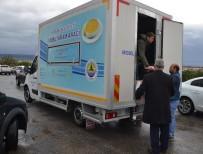 TARIM ARAZİSİ - Erdemli'de Su Baskınlarına Belediye Ekipleri Anında Müdahale Etti