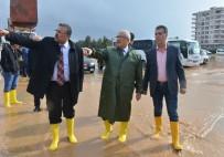 SEL BASKINI - Mersin'de Sağanak Yağış Etkili Oldu