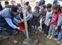 OKUL ÇANTASI - Minik Bahçıvanlar Toprağı Çok Sevdi