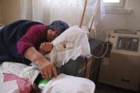 ELEKTRİK FATURASI - Elektrik Borcunu Ödeyemeyen Yaşlı Kadının Hayatı Elektriğe Bağlı