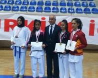 DILRUBA - Karate'de 10 Sporcu Yarı Finallerde
