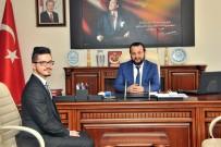 KMÜ Rektörü Akgül, Başarılı Öğrenciyi Makamında Kabul Etti