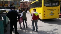 HALK OTOBÜSÜ - Otobüsün Çarptığı Çocuk Öldü