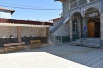 CAMİ BAHÇESİ - Salihli Belediyesinden Camilere Hizmet Desteği