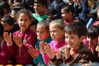 MEZOPOTAMYA - Suriyeli Ve Türk Öğrencilerin Uyumu İçin Sirk Gösterisi Düzenlendi