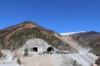 KARAYOLU TÜNELİ - Tünel Dağı Bu Kez Boğazından Değil Göbeğinden Deliyor
