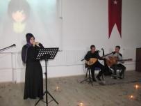 SINAV STRESİ - Üniversite Öğrencilerinden Türkü Gecesi Ve Şiir Dinletisi
