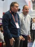 MILLI PIYANGO - Antalyaspor Hentbol Takımı'nda Halay'la Yollar Ayrıldı