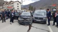 GÜMÜŞHANE ÜNIVERSITESI - Bakan Işık'ın Konvoyunda Trafik Kazası Açıklaması 5 Yaralı