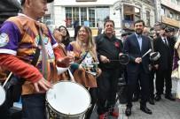 MURAT HAZINEDAR - Beşiktaş'ta Dans Sokağa Taşındı