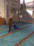 KEMER BELEDİYESİ - Kemer'de Camilerde Temizlik