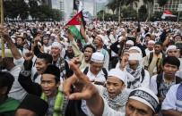 MUHAFAZAKAR - Müslümanlardan 'Kur'an'a Hakaret' Potestosu
