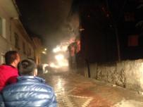 AHŞAP EV - Osmaneli'de Yangın Paniği