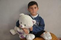 PROTEZ BACAK - İki Bacağı Kopan Abdulbasit'in Hayali Çocuk Doktoru Olmak