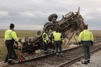 TOLEDO - İspanya'da Yolcu Treni Kamyona Çarptı