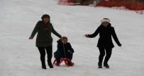 KYK Öğrencileri, Engelli Öğrenciler İle Kayak Yaptı