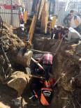 ALT YAPI ÇALIŞMASI - Toprak Altında Kalan Suriyeli İşçi Kurtarıldı