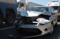 HEREKE - TEM Otoyolunda Kaza Açıklaması 6 Yaralı