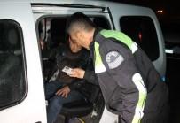 ALKOLLÜ SÜRÜCÜ - Uslanmayan Alkollü Sürücü, Kaza Yaptı