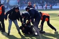 BIBER GAZı - 2. Lig Maçında Saha Karıştı