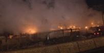 TANZIMAT - Başkent'te İnşaat Şantiyesinde Korkutan Yangın