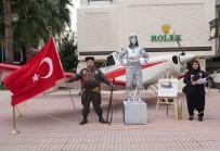 DAVUTLAR - Türk Kadınına Saygı İçin Uçak Kaldırıma Çıktı