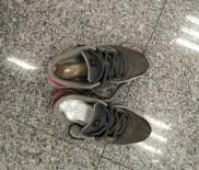 NARKOTİK KÖPEK - Zehir Taciri Havalimanında Yakalandı