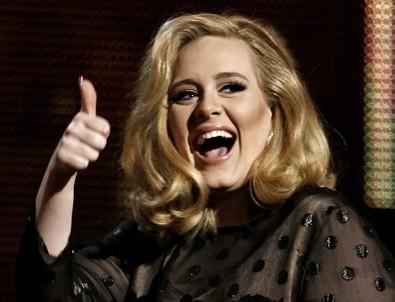 Adele evlendi