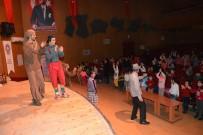TOPLUM DESTEKLI POLISLIK - Gençliğe Önem Geleceğe Güven Projesi Tiyatrosuna 2 Bin 500 Öğrenci Katıldı