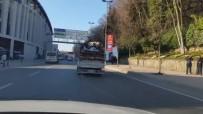SKANDAL - Kamyonet Kasasında Tehlikeli Yolculuk