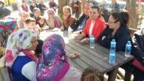 ANAYASA SÜRECİ - Milletvekili Hürriyet Kandıra'nın Köylerini Ziyaret Etti