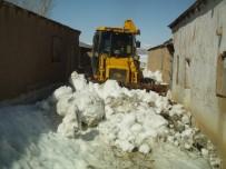 ÖZALP BELEDİYESİ - Özalp Belediyesinden Karla Mücadele Çalışması