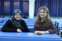 ÖZEL DERS - 47 Yaşında Kızıyla Birlikte Üniversite Sıralarına Oturdu