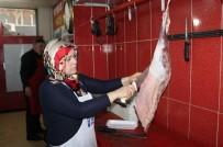 Siirt'in İlk Kadın Kasabı Erkeklere Taş Çıkarıyor