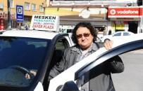 HASAN TOPÇU - 60 yaşındaki Fadime abla 22 yıldır direksiyon sallıyor