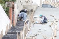 İSTİNAT DUVARI - Belediye Ekipleri Yokuşbaşı Ve Kumbahçe'de Çalışmalarını Sürdürüyor