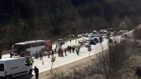 YOLCU OTOBÜSÜ - Bursa'daki feci kazada can verenlerin kimlikleri belli oldu!