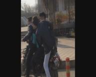 Iğdır'da Motosikletle Tehlikeli Yolculuk