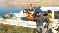 BALIKÇI TEKNESİ - Köprüden Atlayan Şahsı, Balıkçı Teknesi Kurtardı