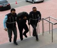 MOBESE KAMERALARI - Saniyeler İçerisinde Cep Telefonunu Çalan Hırsız Serbest Bırakıldı