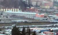 İKITELLI - Sefaköy'de Yangın Paniği