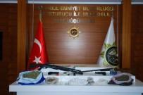 SÜRÜCÜ BELGESİ - Şişli'de Uyuşturucu Şebekesi Çökertildi Açıklaması 26 Tutuklama