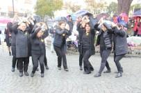 FEVZIPAŞA - 8 Martı Yağmur Altında Kutladılar