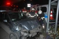 POLİS ARACI - Adana'da Trafik Kazası Açıklaması 3 Polis Yaralandı