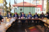 MUSTAFA YIĞIT - Başkan Akdoğan Muhtarlarla Buluştu